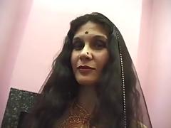 Indian Mature Whore Adaza Copulates